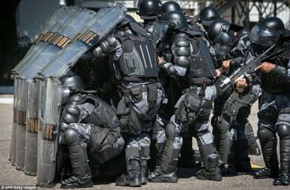 sst-riot cops